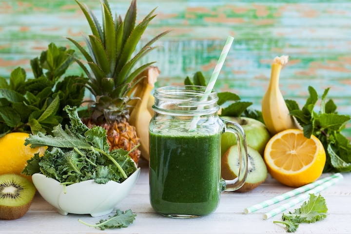 kale fruit smoothie